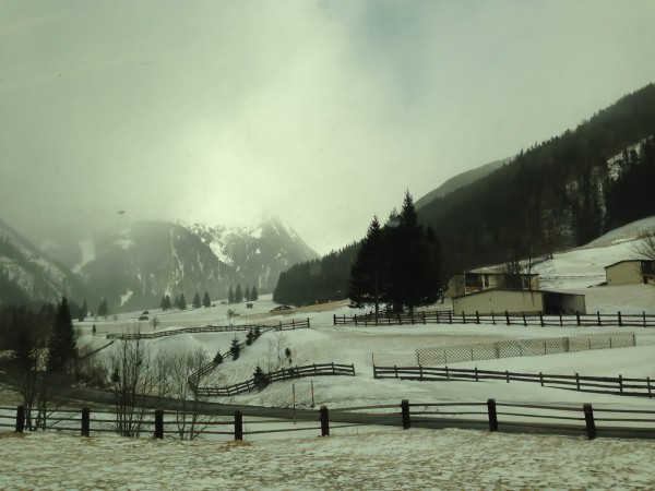 Alpen mit Schnee