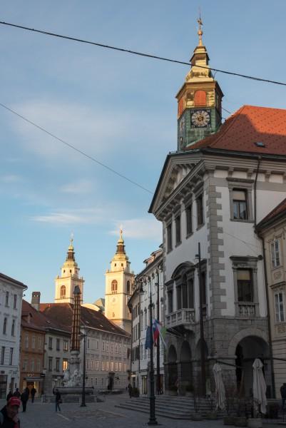 Rathaus und die Kathedrale von Ljubljana
