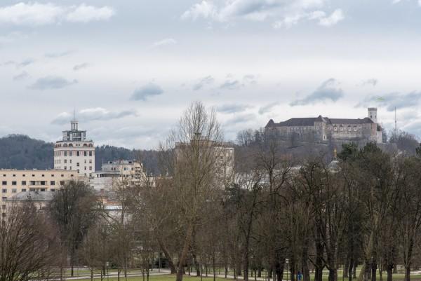 Tivoli mit Innenstadt im Hintergrund