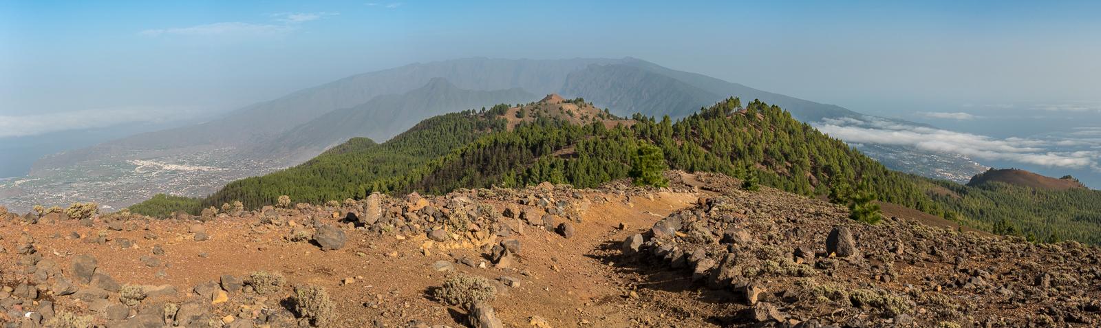 Auf der Vulkanroute, knapp 2000 Meter hoch